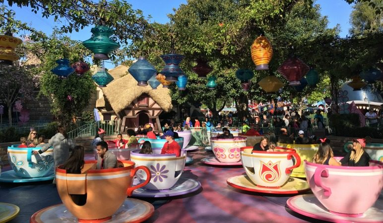 Disneyland Travel Tips with Leslie Harvey from Trips with Tykes on the Vacation Mavens podcast