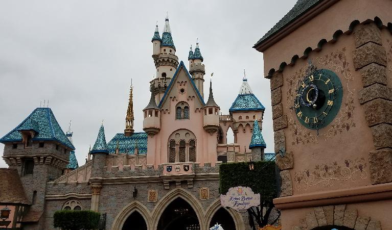 046: Planning a Trip to Disneyland