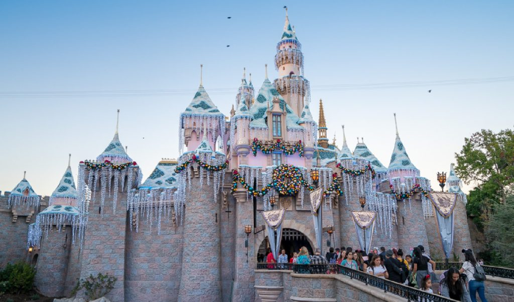112: Disneyland Holidays